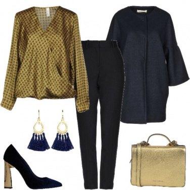 Outfit Oro e blu per la serata