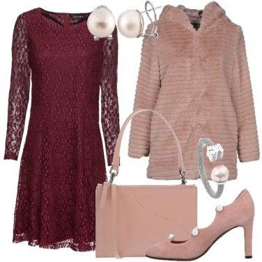 Outfit Pizzo e pelliccia ecologica