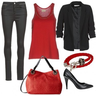 Outfit Red in rock