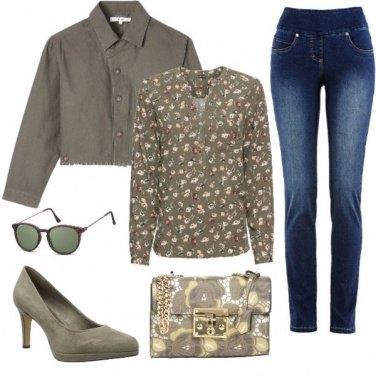 Outfit Fiori in verde