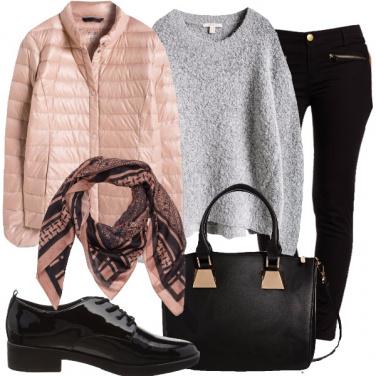Outfit Affari in rosa e nero