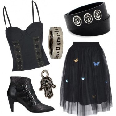 Outfit Dark ci piace ma con femminilità