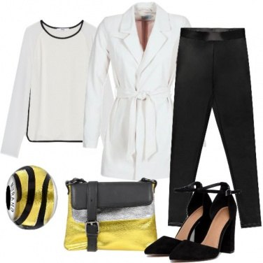 Outfit Trench bianco