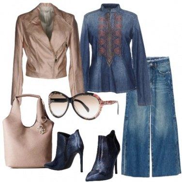 Outfit Tutto denim e blazer effetto laminato