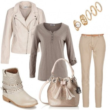 Outfit Aperitivo in beige