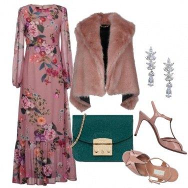 Outfit Un abito floreale decisamente glamour