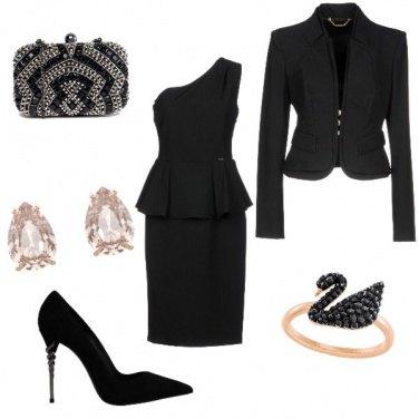Outfit Eleganza scintillante in total black