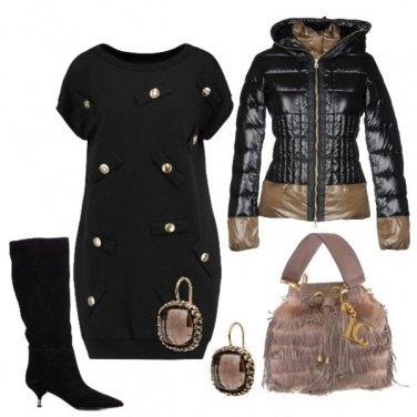 Outfit Vestito Corto e Stivali