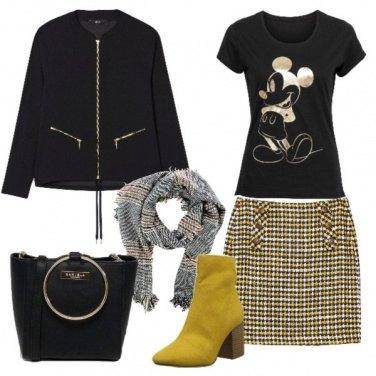 Outfit In nero e giallo