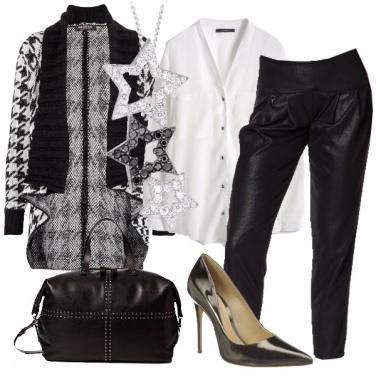 Outfit Bianco e nero in primo piano