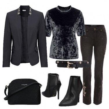 Outfit Nero e dettagli di perle