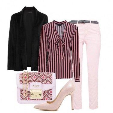 Outfit Strisce e tacco alto