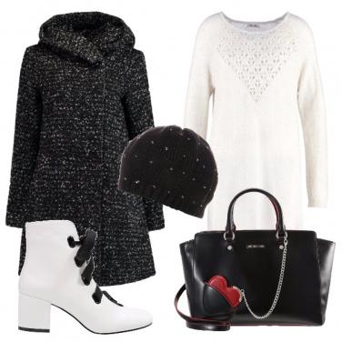 Outfit Bianco e nero con cuore rosso