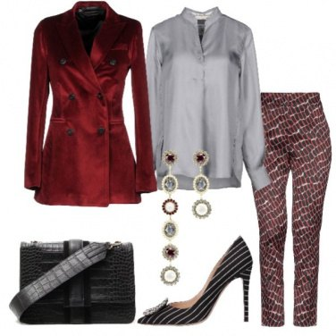 Outfit Giacca in velluto e blusa in seta