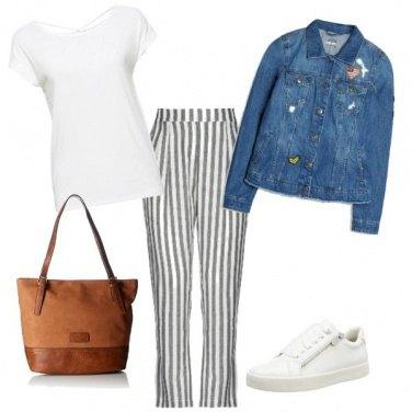 Outfit Comoda a righe