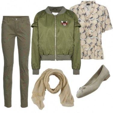 Outfit Sabbia e verde