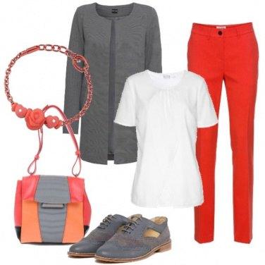 Outfit Un po di colore all\'università