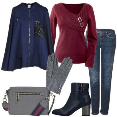 Outfit Cappa blu pullover bordeaux