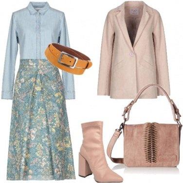Outfit Denim e fiori bouclè