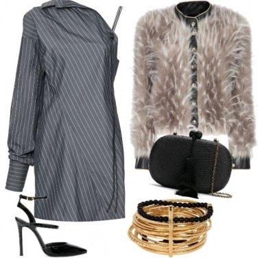 Outfit Abito grigio monospalla