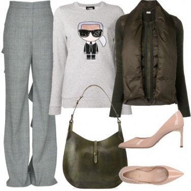 Outfit Pantaloni con maxi ruches