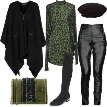 Outfit Animalier e stivali overknees