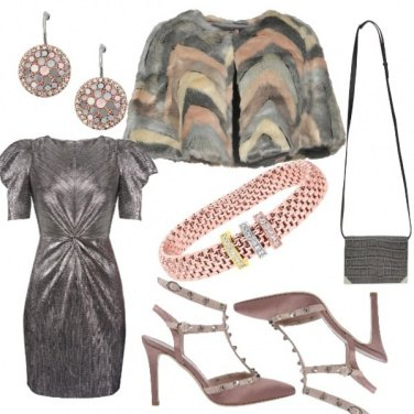 Outfit Serata grigia, con una punta di rosa
