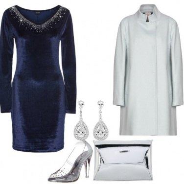 Outfit Vestito blu di velluto