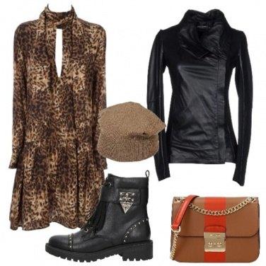 Outfit Abito maculato e pelle nera