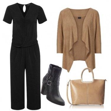 Outfit Tra beige e nero