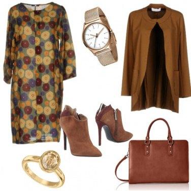 Outfit Chic, colori autunnali fantasia floreale