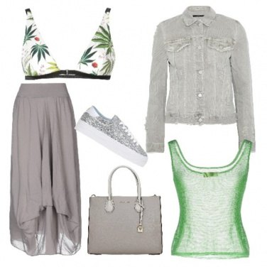 Outfit Reggiseno in evidenza