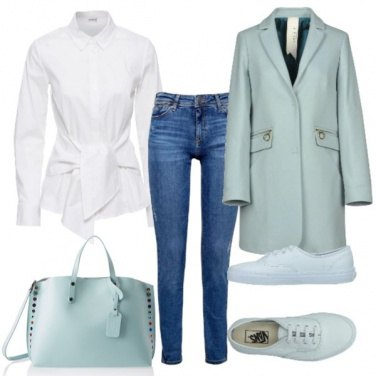 Outfit La camicia bianca e il cappotto pastello
