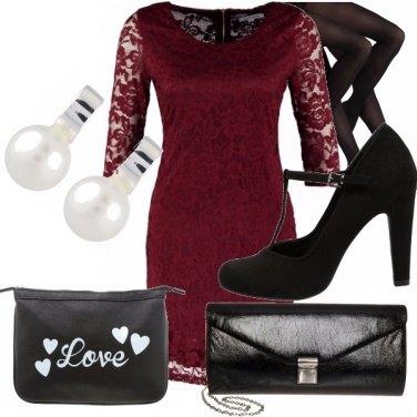 Outfit Bordeaux per romantiche