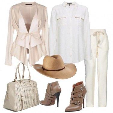 Outfit Toni neutri con la camicia bianca