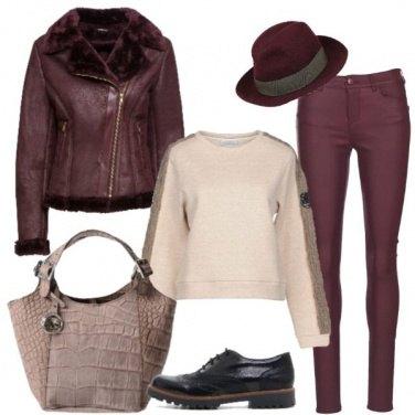 Outfit Stringate e felpa