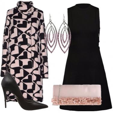 Outfit Chic in nero e rosa pallido