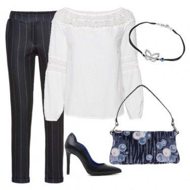Outfit Accenni di azzurro