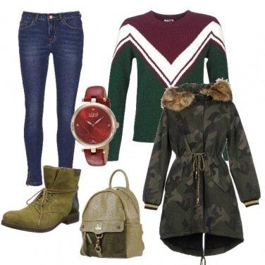 Outfit Verde con tocchi di rosso