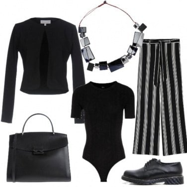 Outfit Righe e stringhe