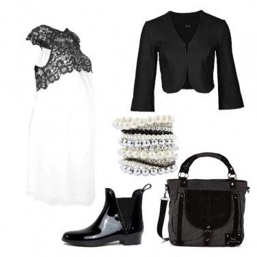 Outfit Elegante futura mamma