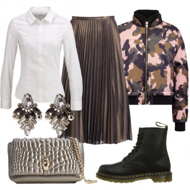 Outfit Camicia bianca con carattere