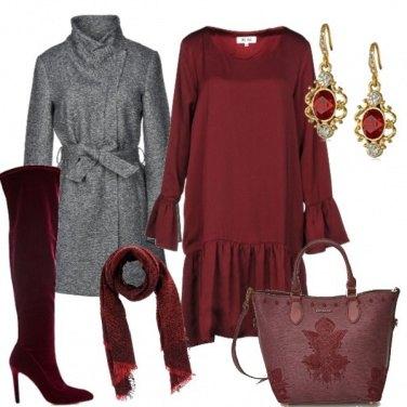 Outfit Stivali e abito bordeaux