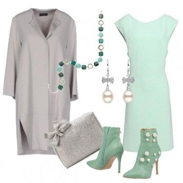 Outfit Romantica in verde chiaro e grigio