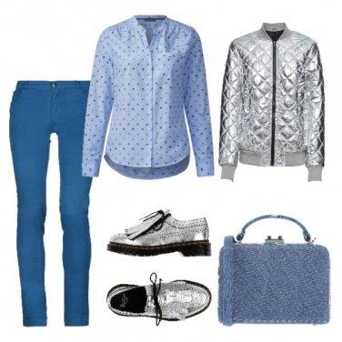 Outfit Grigio metallizzato e azzurro