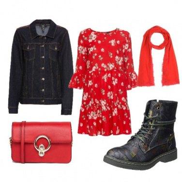 Outfit Giubbino jeans e vestito rosso
