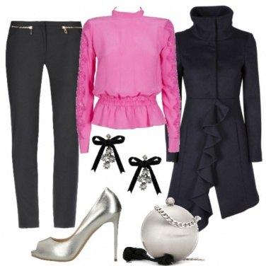 Outfit Singolare con la clutch