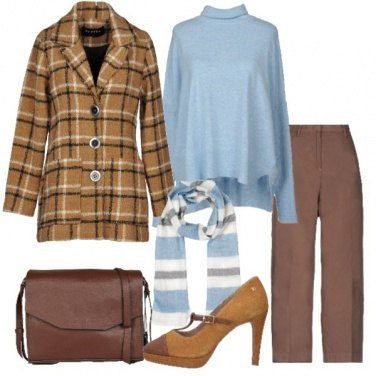 Outfit Soprabito scozzese e celeste
