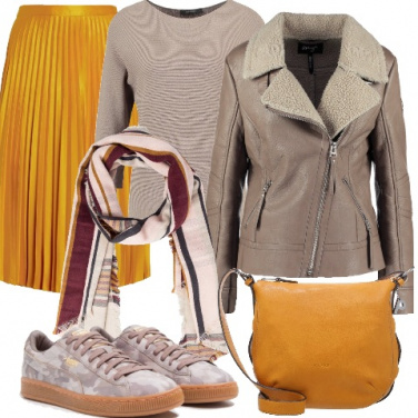 Outfit Street style in giallo e taupe