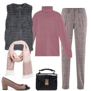 Outfit Calda in rosa e grigio